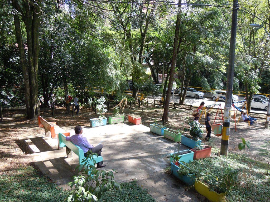 plac zabaw park kieszonkowy