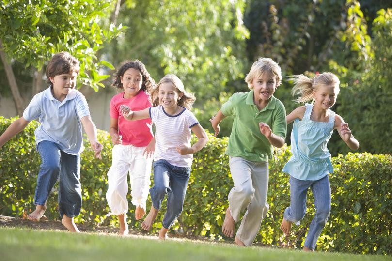 plac zabaw radosne dzieci
