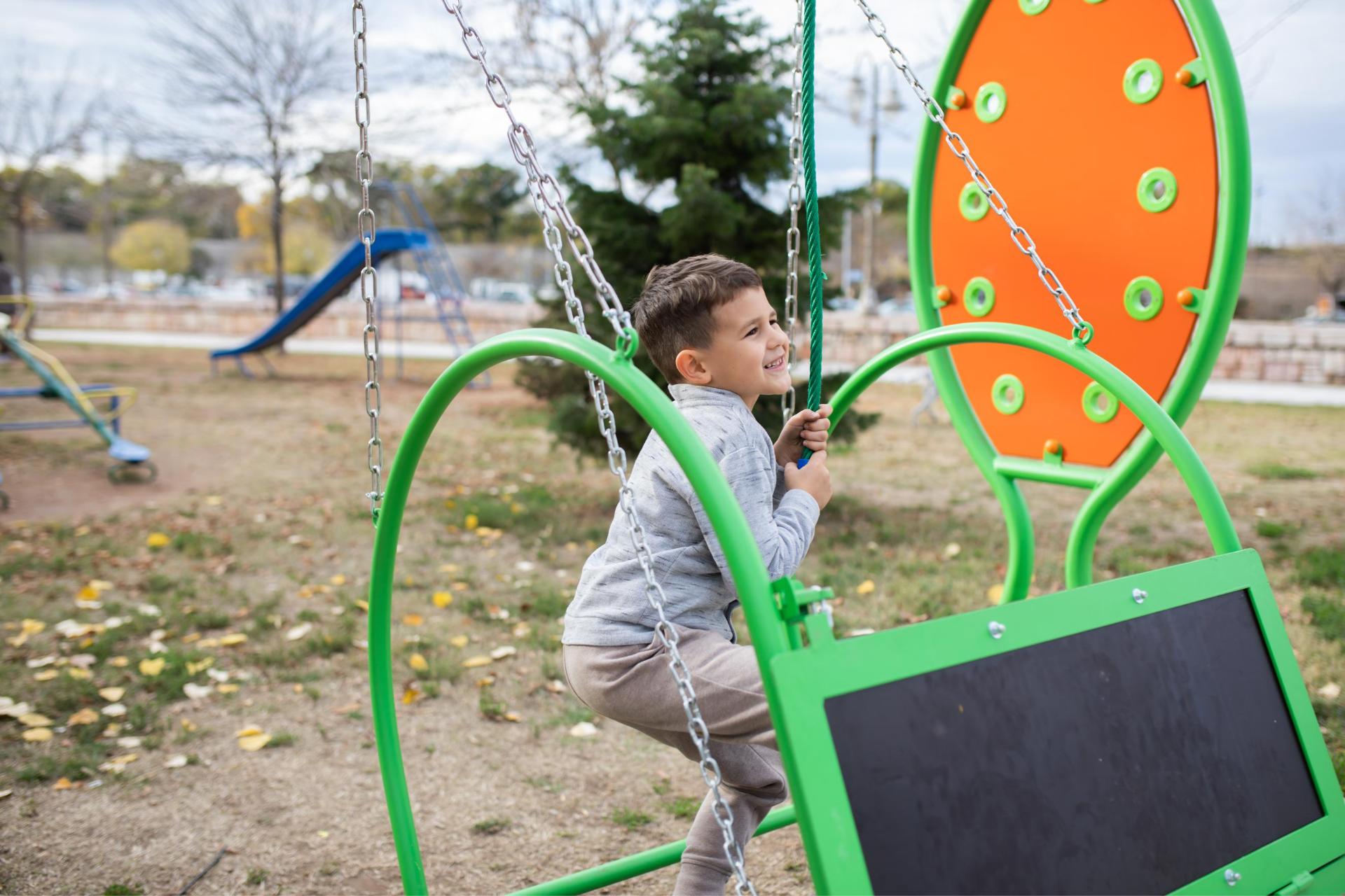 plac zabaw dla dzieci z niepełnosprawdnością